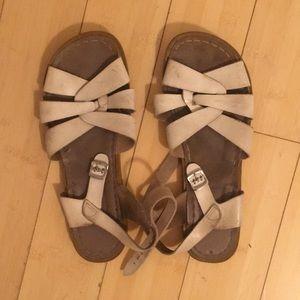 Very loved Saltwater sandals